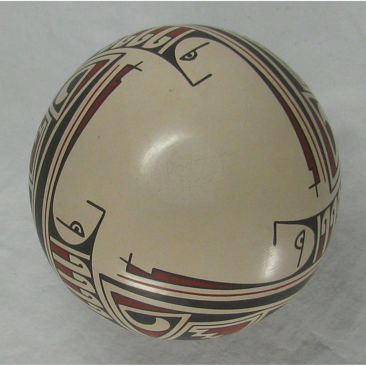 Mata Ortiz Pottery by Rodrigo Perez