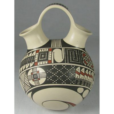 Mata Ortiz Pottery by Ismael Flores