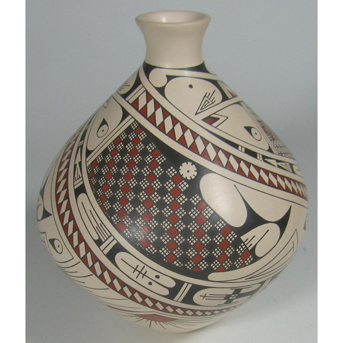 Mata Ortiz Pottery by Daniel Gallegos