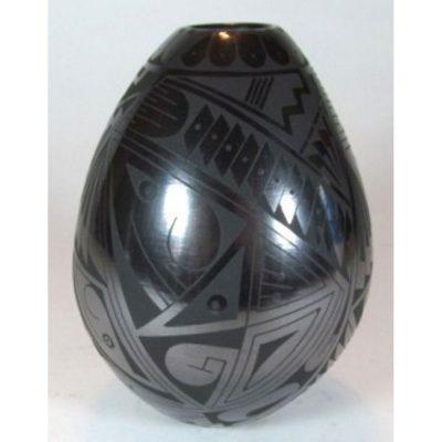 Mata Ortiz Pottery, Chihuahua Fernando Gonzalez Egg