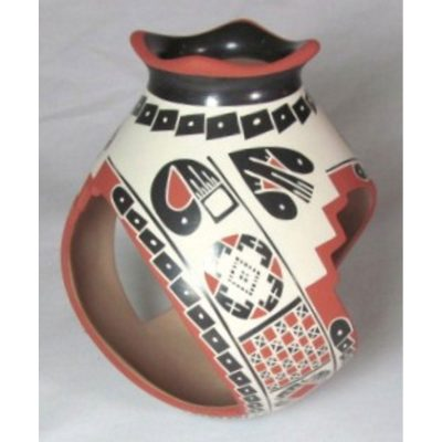 Mata Ortiz Pottery by Oscar Quezada Jr.
