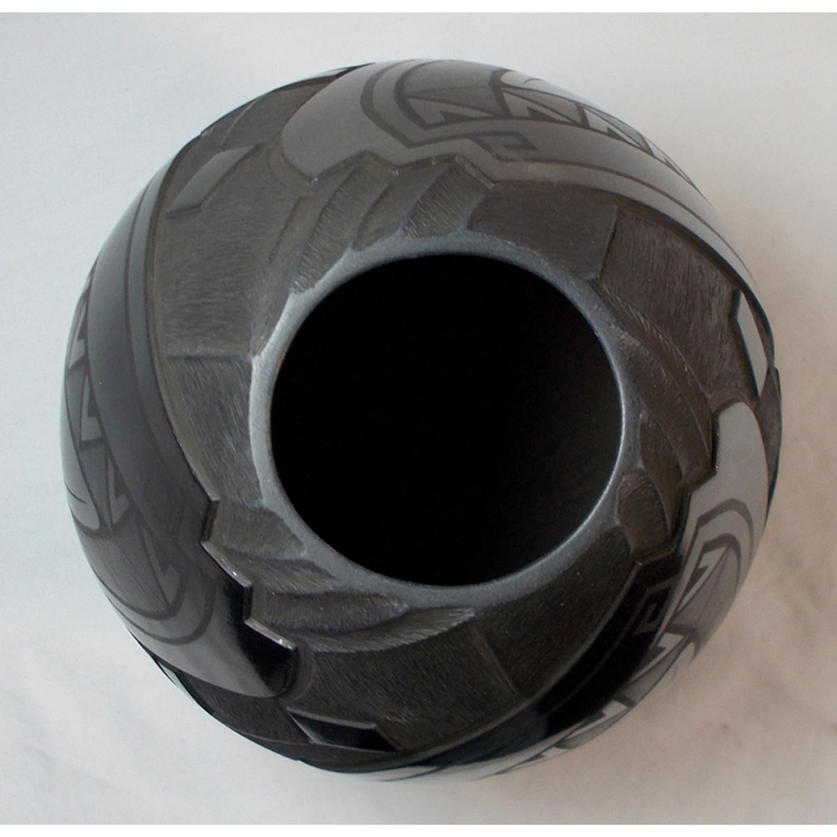 Mata Ortiz Pottery, Chihuahua Salvador Baca & Virginia Lazoya Mata Ortiz Pottery