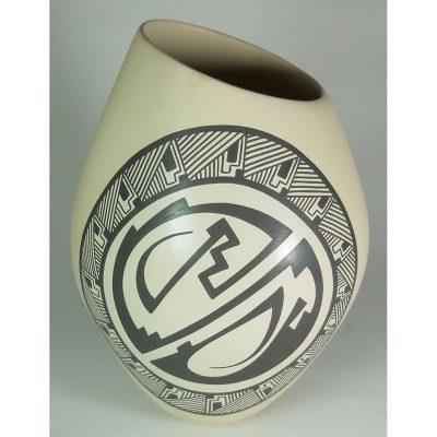 Mata Ortiz Pottery by Pabla T. Quezada