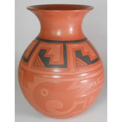 Mata Ortiz Pottery by Claudia Ledesma