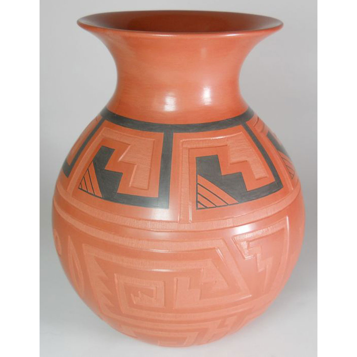 Mata Ortiz Pottery by Claudia Ledesma