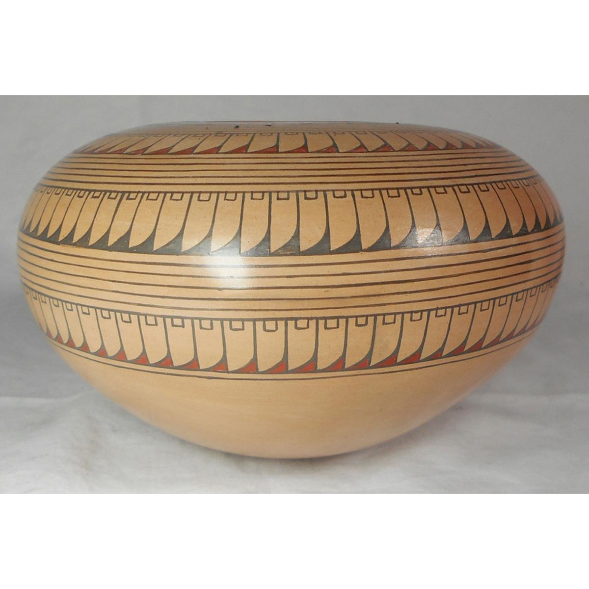 Mata Ortiz Pottery by Ruben Rodriguez