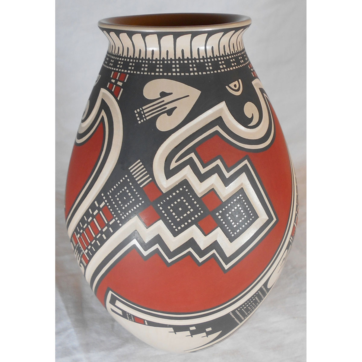 Mata Ortiz Pottery by Tavo Silveira