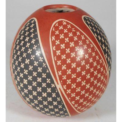Mata Ortiz Pottery, Chihuahua Ernesto Arras Olivas Ernesto Arras Olivas