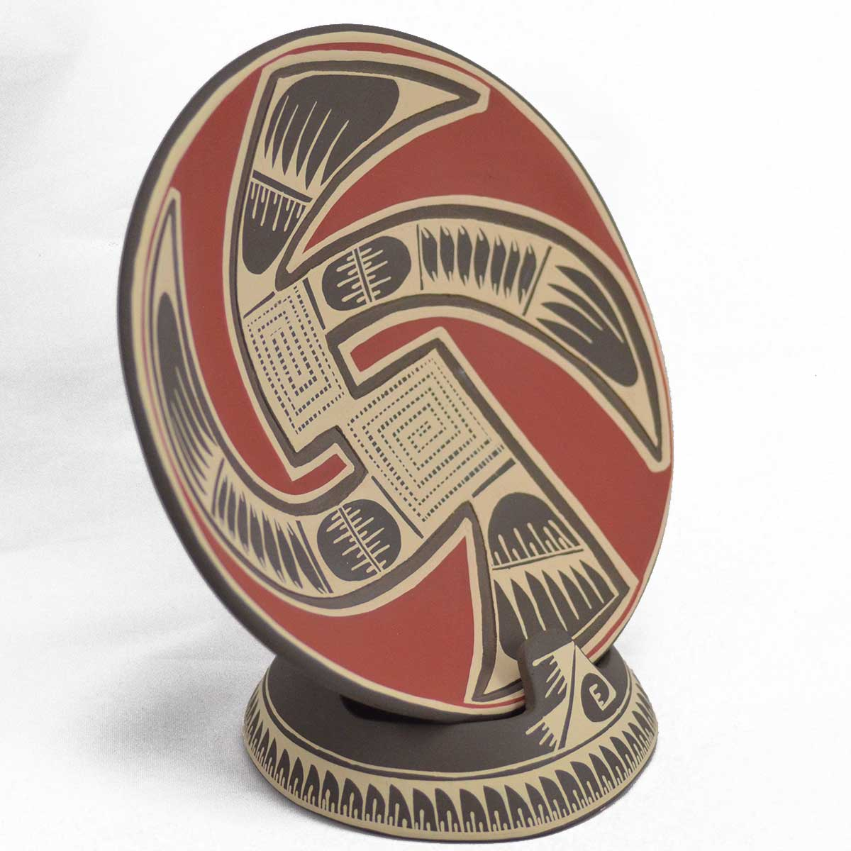 Lucero Ozuna Silveira Lucero Ozuna Silveira: Plate with Stand Carved