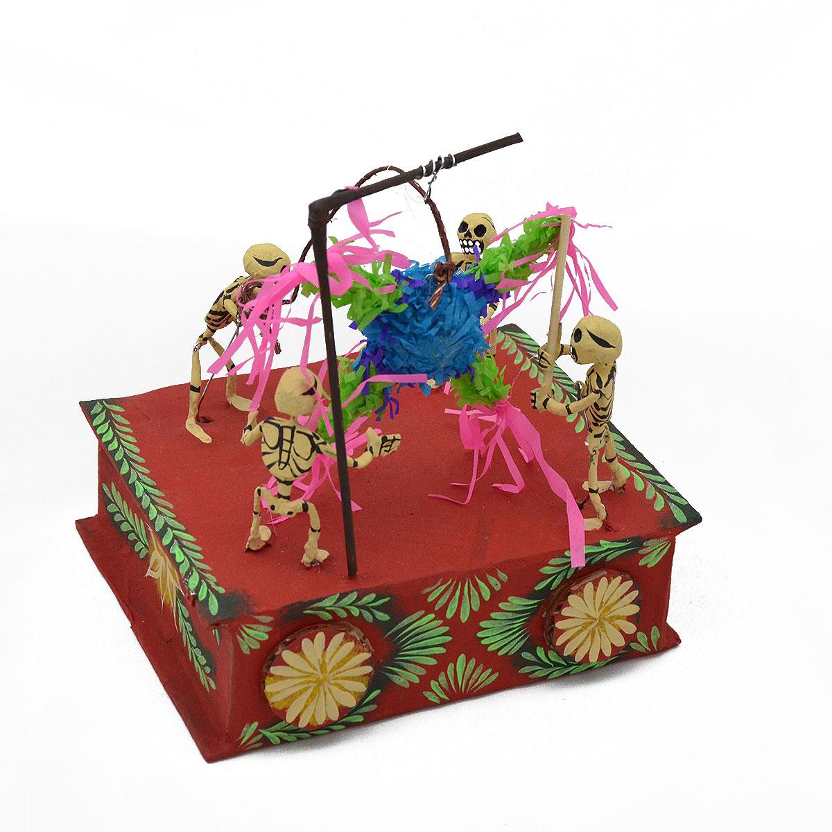 Mechanical Folk Art Josue Eleazar Castro: Large Piñata cartoneria