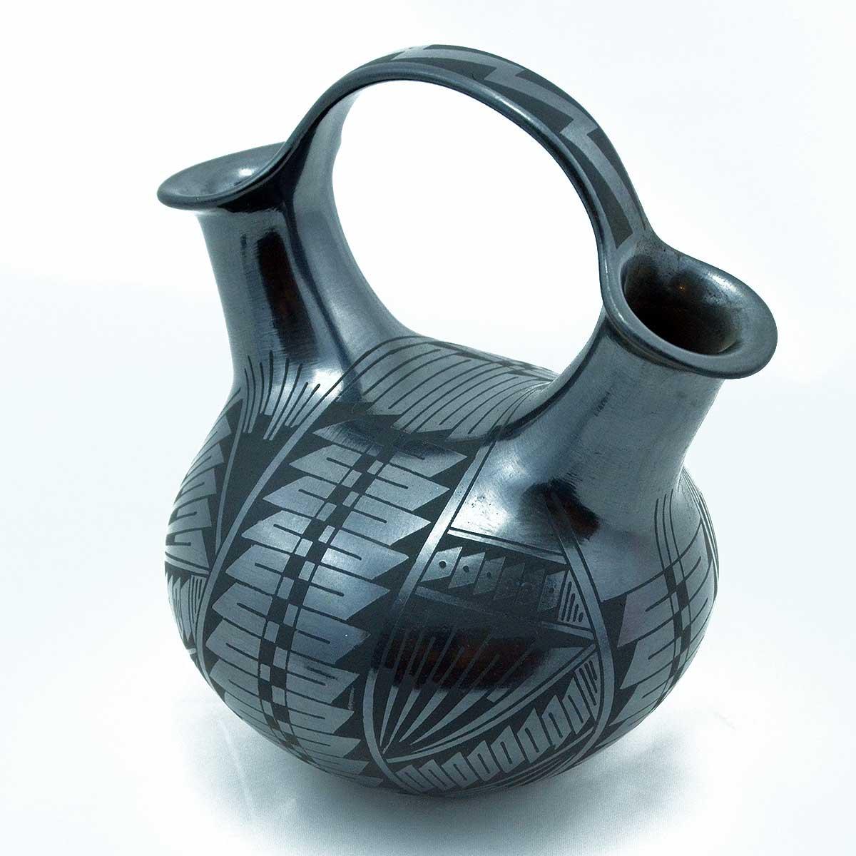 Fernando Gonzalez: Black Wedding Vase