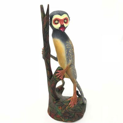 Oaxacan Wood Carving Eleazar Morales: Squirrel Monkey Monkey