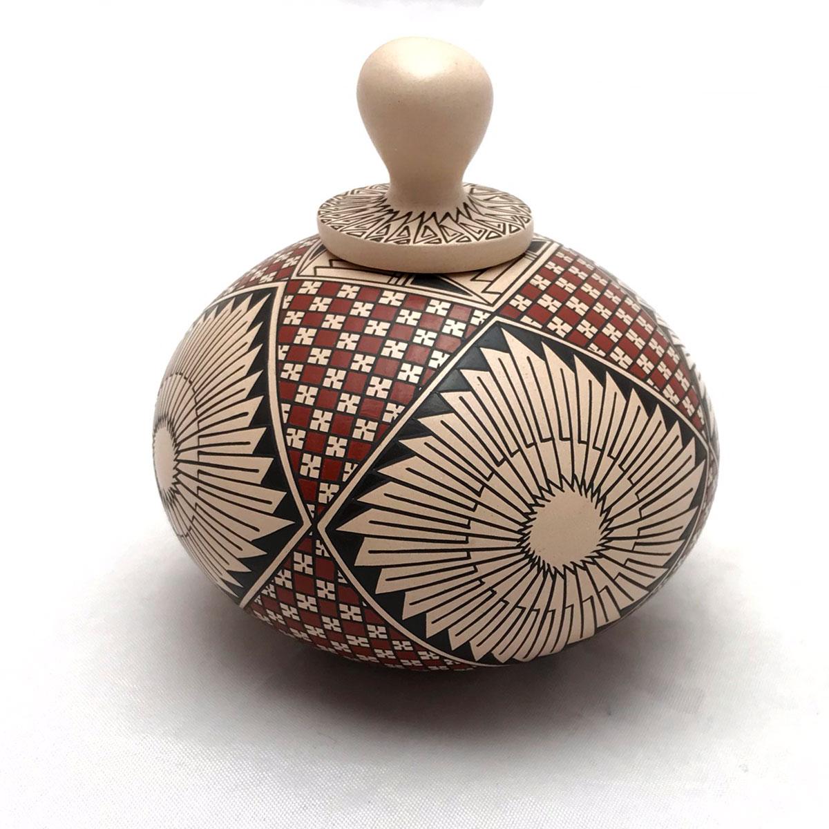 Blanca Quezada Blanca Quezada: Small Geometric Feather Pot with Top Geometric