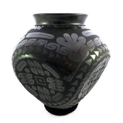 "Eduardo ""Chevo"" Ortiz Eduardo ""Chevo"" Ortiz: Collector Large Concave-sided Pot Concave"