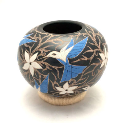 Elicena Cota Elicena Cota and Efrain Lucero:  Etched Black Pot with Hummingbirds Birds