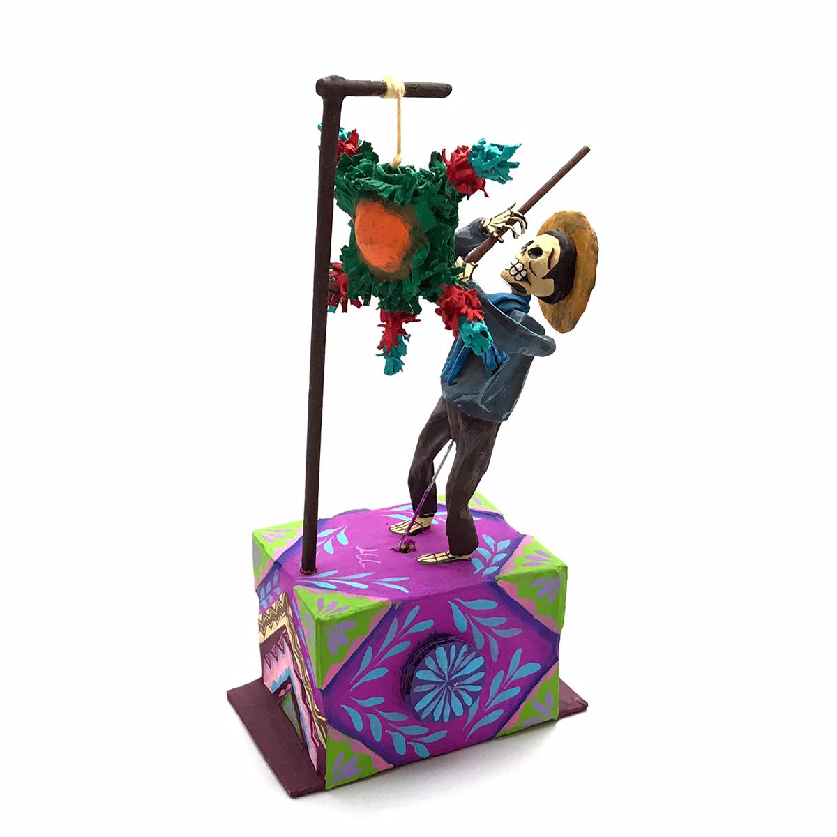 Cartoneria (Mexican Paper Mache) Josue Eleazar Castro: Piñata cartoneria