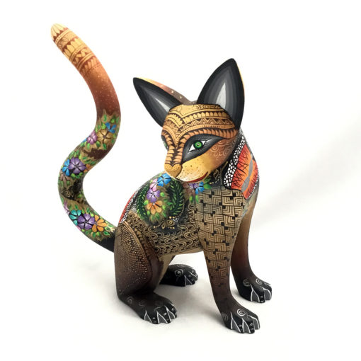 Magaly Fuentes & Jose Calvo Magaly Fuentes & Jose Calvo: Stunning Floral Cat Cats