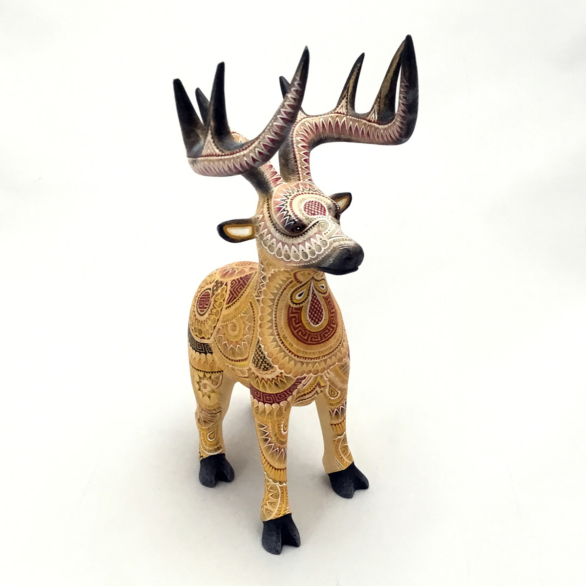Oscar Fabian Melchor Oscar Fabian Melchor: Small Fine Single Piece Deer Deer