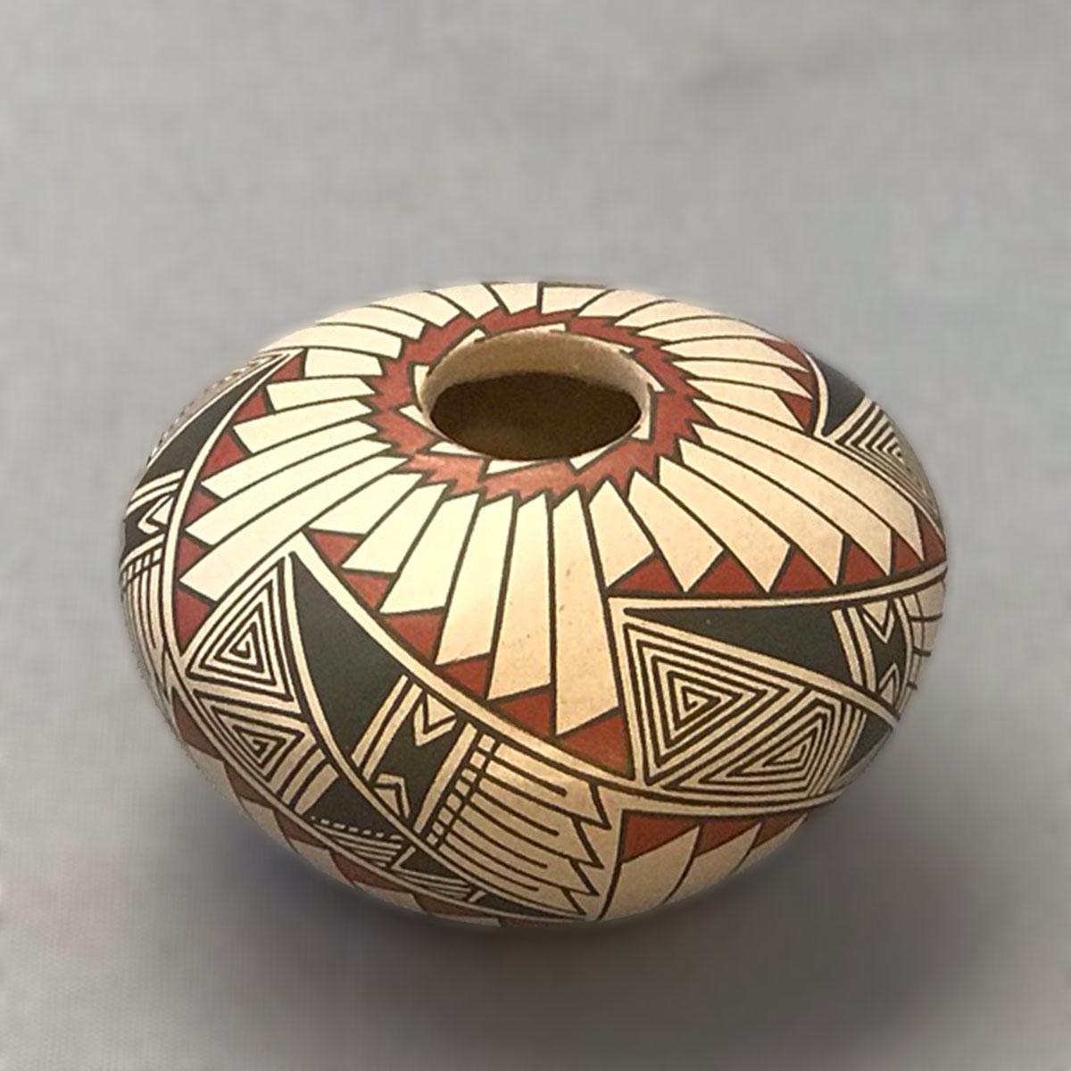 Blanca Quezada Blanca Quezada: Small Round Feathered Pot Mata Ortiz Pottery